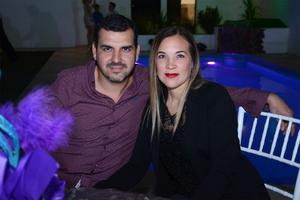 03042016 EN UN CUMPLEAñOS.  Ricardo y Ana.