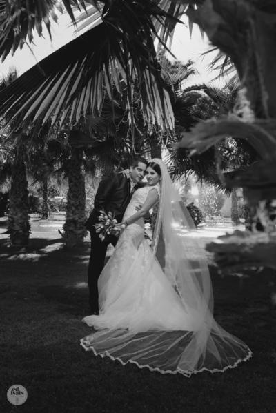 03042016 Ing. Francia de Alejandría Burciaga e Ing. Alejandro Ante Ramírez en una fotografía de estudio el día de su boda.- Edmundo Isais