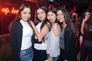 04042016 EN EL ANTRO.  Ale, Arantxa, Daniela y Liz.