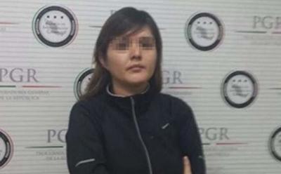Delgado Reynaga, de 33 años de edad, contaba con una Orden de Detención Provisional con fines de Extradición Internacional librada el primero de abril de 2016, por el Juez Sexto de Distrito de Procesos Penales Federales en la Ciudad de México.