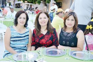 10042016 ENTRE AMIGAS.  Verónica, Elizabeth y Rosy.