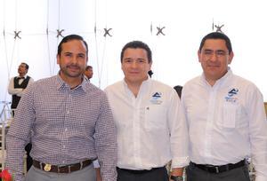 07042016 EN RECIENTE EVENTO.  Mariano, Alejandro y Eduardo.