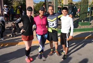 07042016 Mary Carmen García, Brenda Muñoz, Héctor Márquez y Carlos Márquez.