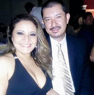 10042016 Karina Monroy y Antonio Ramos.