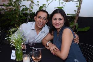 07042016 EN PAREJA.  José Luis y Tatiana.