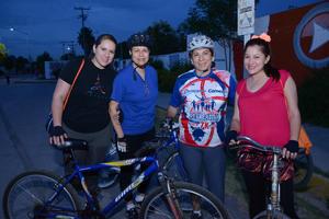 11042016 Betty, Luz, Lety y Alejandra.