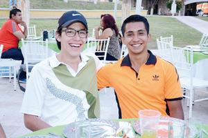 11042016 AMIGOS GOLFISTAS.  Luis y Alan.