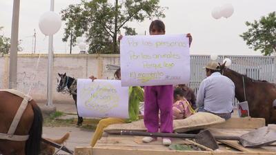 En la marcha participaron niños y adultos.