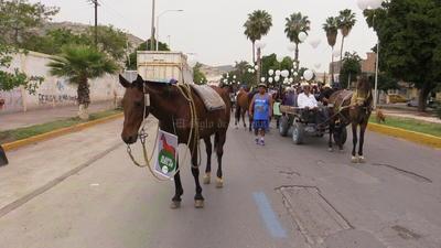 El contingente partió de la prolongación Colón rumbo a la Plaza Mayor.