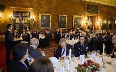 EL mandatario acudió a la cena que ofreció el alcalde de Hamburgo, Olaf Scholz, en su honor.  NOTIMEX/FOTO/PRESIDENCIA/FRE/ACE/
