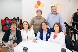 14042016 EN RECIENTE FESTEJO.  Isabel, Conchita, Lucy, Naty, Elvia y Paco.