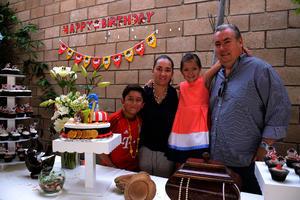 Gabriel, Mónica, Christianne y Walter