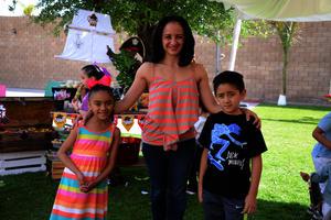 Katia, Juliana y Diego