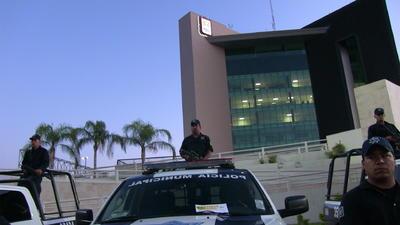 """El alcalde hizo énfasis en que """"prácticamente empezamos de cero, con alrededor de 30 patrullas vigilando la ciudad al principio de mi administración en 2014""""."""