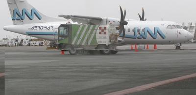 El aeropuerto de Puebla tuvo que suspender sus operaciones por la caída de ceniza.