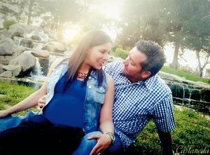 16042016 Mayte Cota González y Roberto Salum Rodríguez próximamente se convertirán en papás de una hermosa niña, a quien llamarán Natalia.