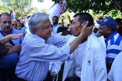 El presidente de Morena arribó a la Plaza Principal de Gómez Palacio hoy por la tarde.