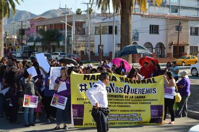 Colectivos feministas en La Laguna realizaron una protesta contra la 'violencia machista'.