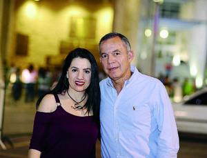 17042016 Lorena y Rogelio.