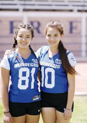 19042016 Nicole y Alejandra.