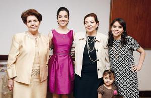 18042016 DICE ADIóS A SU SOLTERíA.  Cecilia con Fabiola Garza de De Velasco, Magdalena Castro y Raquel Galvez Castro en su despedida de soltera.