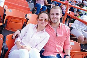 19042016 Nicole y Fernando.