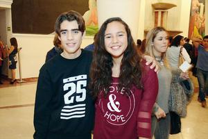19042016 EN LA CAMERATA.  Rodrigo y Mariana.