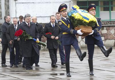 El presidente ucraniano, Petró Poroshenko se sumó a las conmemoraciones.