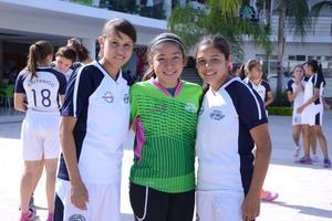 22042016 Rebeca, Carolina y Mariana.