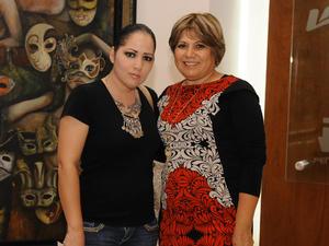 22042016 EN UNA CONFERENCIA.  Susana y Citlali.