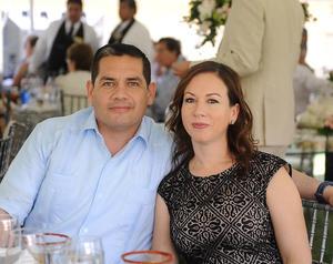 22042016 EN PAREJA.  Gerardo y Maru.