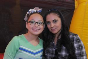 28042016 CONTENTAS.  Ana y Fernanda.