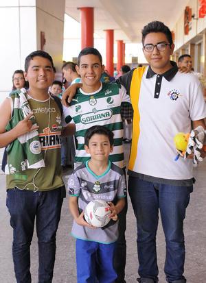 28042016 Víctor, Salvador, Dioney y Zaid.