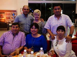 José Antonio, Adriana, Gustavo, José Luis, Mariana y Cristina