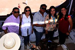 Toño, Alejandra, Víctor, Brenda y Diana