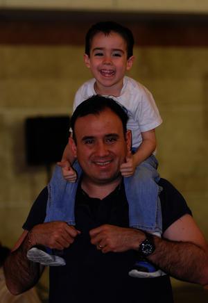 Fernando con su hijo Luis Fer