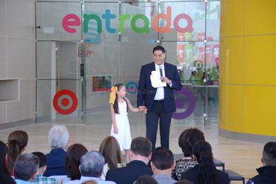 La inauguración estuvo a cargo del gobernador de Durango, Jorge Herrera; su esposa Tere Álvarez presidenta del DIF estatal y demás autoridades.
