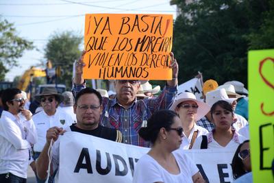 Los trabajadores demandaron carencia de medicamentos.