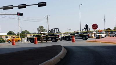 Acudieron al lugar la Policía Municipal, agentes de Protección Civil, Vialidad Municipal y personal de Obras Públicas.