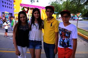 María, Helena, Sebastián y Arturo
