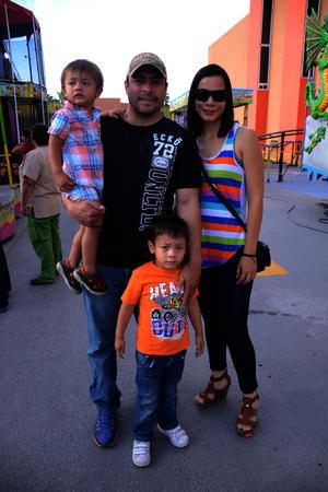 Marco, Alfredo, Alfredo y Helga