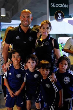 Diego, Cynthia, André, Bryan, Ricardo e Iker