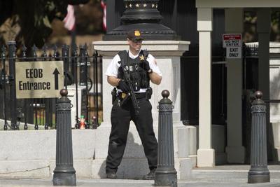 Personal de seguridad permaneció en guardia.