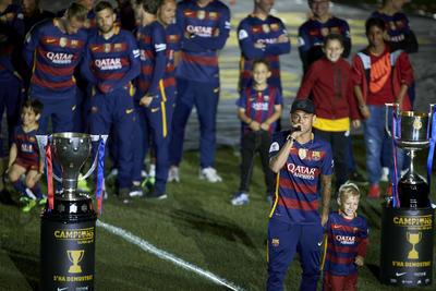 Además de las ya mencionadas ausencias de Messi y Luis Suárez, tampoco estuvieron en el Camp Nou, Rafinha Alcántara, Arda Turan y Thomas Vermaelen.