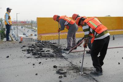 Iniciaron los trabajos de demolición de la parte superior del puente Periférico-Villa Florida.