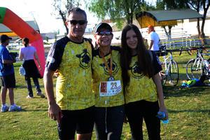 Arturo, Ari y Cari