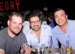 Juan, Mario y Chino