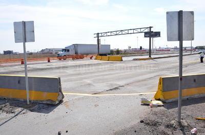 Según Berlanga, esta vuelta izquierda protegida se mantendrá en operación durante todo el proceso de reparación del puente.