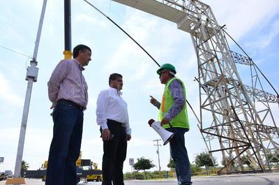 El alcalde Miguel Riquelme informó que a la entrada a la colonia Sol de Oriente, se reemplazará esta estructura por un puente peatonal estilizado, dentro del proyecto del Metrobús ya que será necesario, considerando el nuevo sistema de transporte que pasará por esa transitada vialidad.