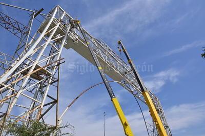 Son 50 metros de longitud de tubos a cortar desde la cimentación y 40 metros hacia arriba.